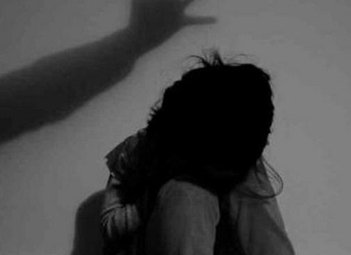 Bắt khẩn cấp đối tượng liên tục dâm ô bé gái 7 tuổi - 1