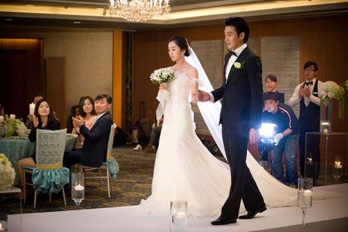 Đắng lòng khi chụp ảnh cưới cho bạn thân và người cũ - 1