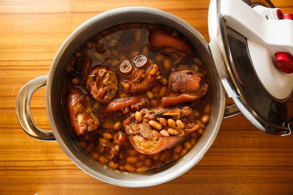 Chân giò hầm đậu phộng béo bùi, thơm nức cho bữa cơm chiều - 6