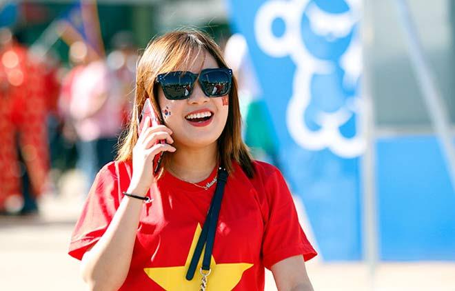 Thiếu nữ Hàn xinh tươi cổ vũ U20 Việt Nam đến phút cuối - 4