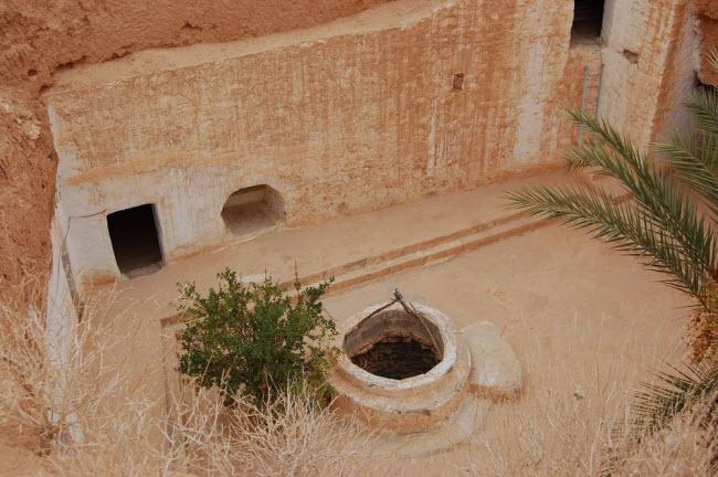 """""""Trốn nóng"""" trong những ngôi nhà ẩn mình dưới mặt đất ở Tunisia - 4"""