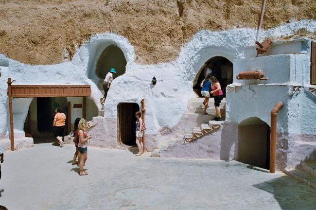 """""""Trốn nóng"""" trong những ngôi nhà ẩn mình dưới mặt đất ở Tunisia - 6"""