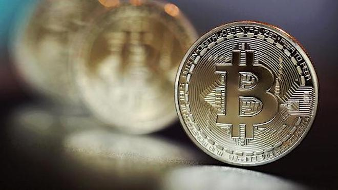 Tiền ảo bitcoin cán mốc 2.700 USD, dự báo sẽ đạt 6.000 USD - 1