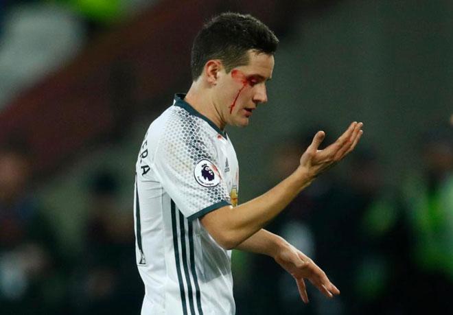 """MU: Rooney ra đi, Mourinho đau đầu chọn """"Quỷ đầu đàn"""" - 4"""