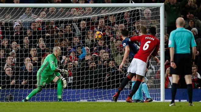 """MU: Rooney ra đi, Mourinho đau đầu chọn """"Quỷ đầu đàn"""" - 5"""