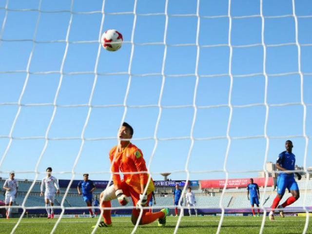 Thua đậm U20 Pháp, thủ môn U20 Việt Nam vẫn được báo Tây khen