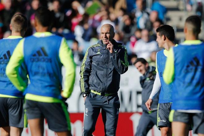Real sắp đá chung kết Cúp C1: Ronaldo có tin vui, không lo tù tội - 4