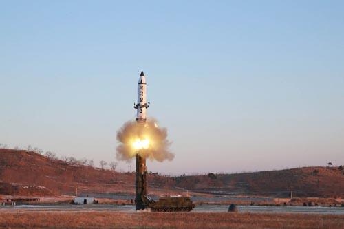 Báo Mỹ: Tấn công Triều Tiên là điều tồi tệ nhất - 3