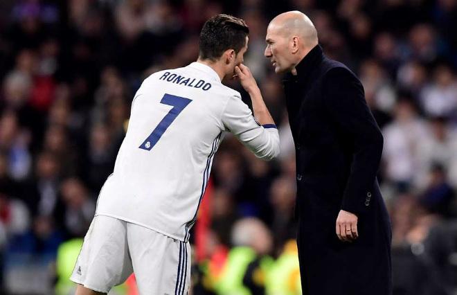 """""""Bố già"""" Perez ủ mưu """"trảm"""" Ronaldo: Săn tìm """"Người thừa kế"""" - 2"""
