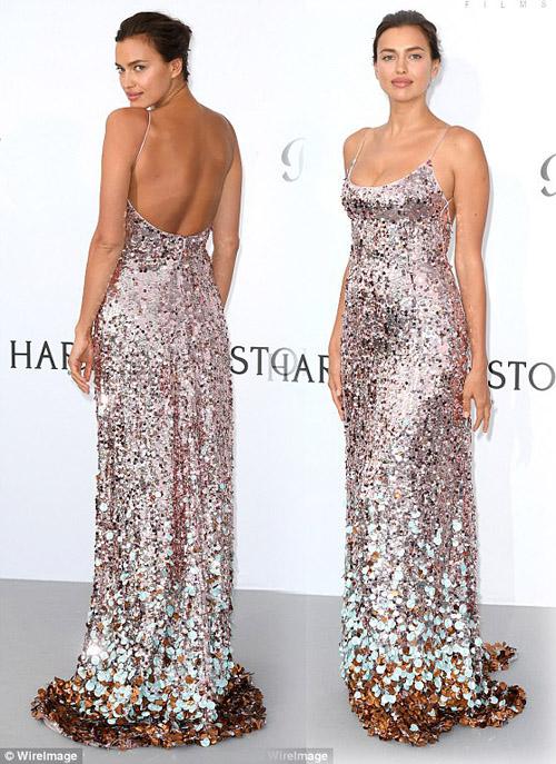 """Kiều nữ """"hot"""" nhất Hollywood mặc váy trong suốt gây sốc - 13"""