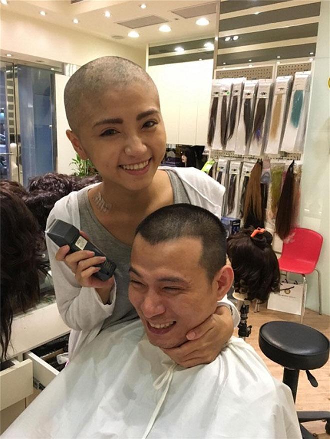 Đau lòng câu chuyện chồng cạo trọc đầu vì vợ ung thư - 2