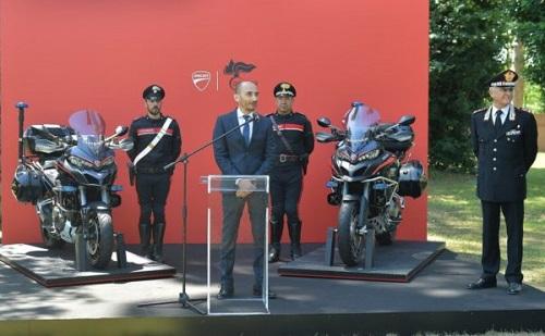 Cảnh sát Ý tuyển hàng khủng Ducati Multistrada 1200S - 1