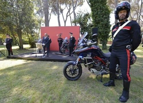 Cảnh sát Ý tuyển hàng khủng Ducati Multistrada 1200S - 2