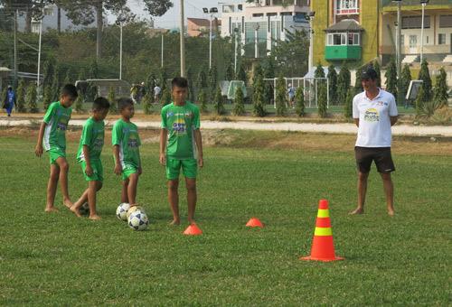 Học viện bóng đá Nutifood tuyển sinh khóa 2 - 3