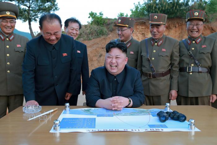 3 người đàn ông luôn kè kè bên Kim Jong-un là ai? - 1