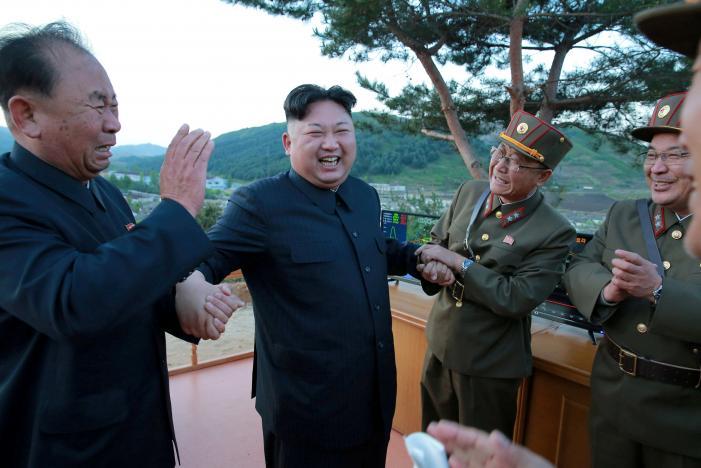 3 người đàn ông luôn kè kè bên Kim Jong-un là ai? - 2