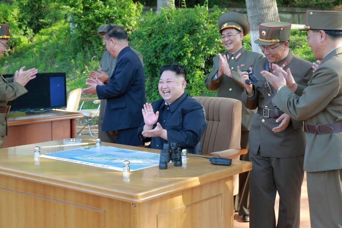 3 người đàn ông luôn kè kè bên Kim Jong-un là ai? - 3