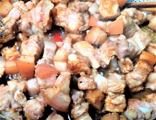 Bữa cơm giản dị với thịt kho tiêu và canh mướp cho ngày tan làm muộn - 3