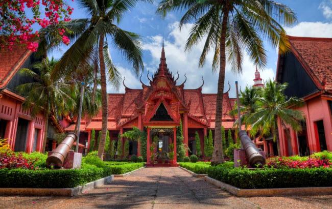 Campuchia: Đây là địa điểm lý tưởng dành cho những du khách có tài chính hạn chế, vì chi phí cho đồ ăn và nơi ở tại đây tương đối rẻ.
