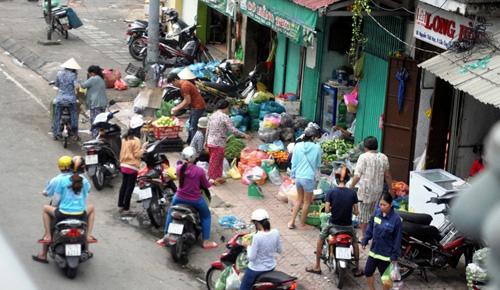 """Nóng 24h qua: """"Quái vật"""" 300 tấn đặt mũi khoan đầu tiên xuyên lòng đất Sài Gòn - 4"""