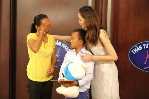 """Cuộc sống """"một bước lên tiên"""" của cậu bé được Phi Nhung nhận nuôi - 8"""