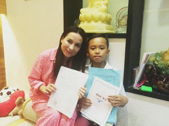 """Cuộc sống """"một bước lên tiên"""" của cậu bé được Phi Nhung nhận nuôi - 9"""