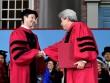 Ông chủ Facebook cuối cùng cũng tốt nghiệp đại học