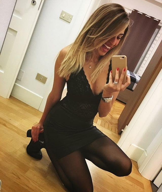 Không ngờ HLV Juvetus có con gái rượu sexy đến vậy - 12