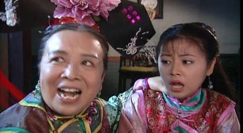 """""""Dung Ma Ma"""" tuổi 81 chật vật cảnh sống neo đơn, làm bạn với chó mèo hoang - 2"""