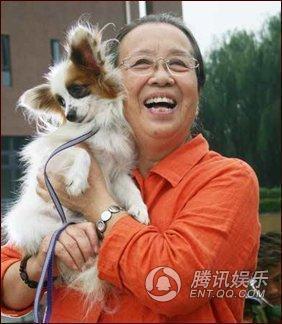 """""""Dung Ma Ma"""" tuổi 81 chật vật cảnh sống neo đơn, làm bạn với chó mèo hoang - 10"""