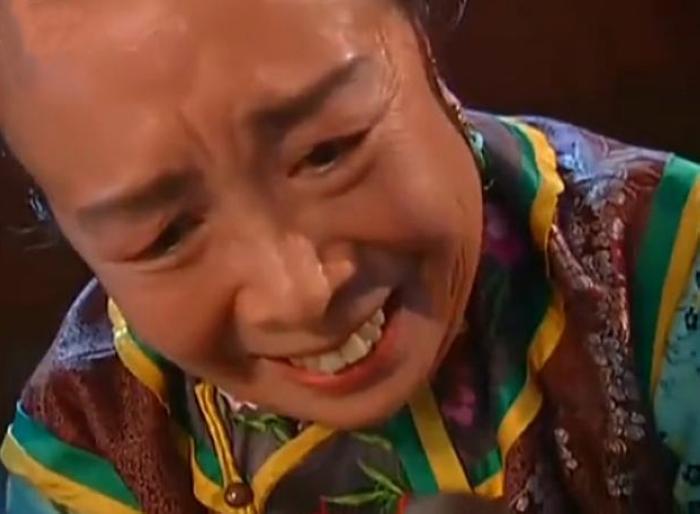 """""""Dung Ma Ma"""" tuổi 81 chật vật cảnh sống neo đơn, làm bạn với chó mèo hoang - 7"""