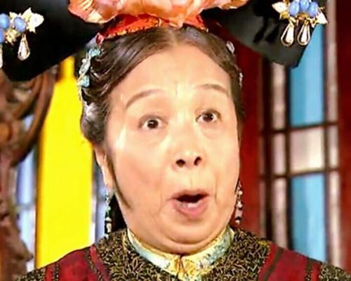 """""""Dung Ma Ma"""" tuổi 81 chật vật cảnh sống neo đơn, làm bạn với chó mèo hoang - 4"""
