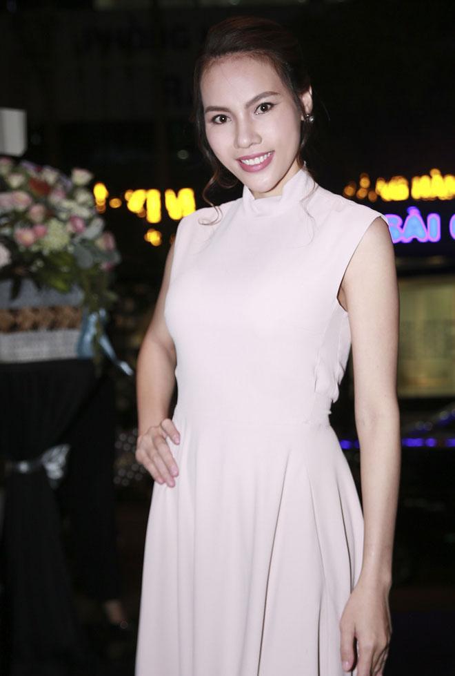 """Phạm Quỳnh Anh: """"Tôi sốc khi bị đồn hôn nhân rạn nứt"""" - 7"""