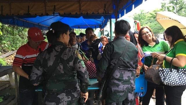 Đi bộ suốt 32km để chạy trốn khủng bố IS ở Philippines - 2