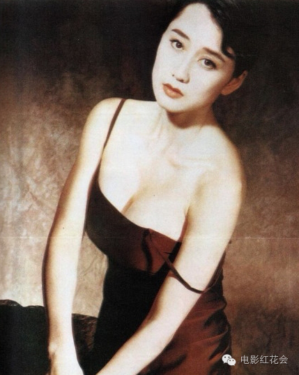 """Thềm ngực đầy của vợ Lý Liên Kiệt """"quyến rũ"""" cả làng võ Trung Quốc - 11"""