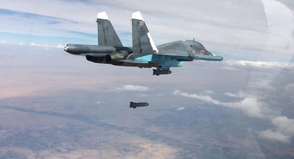 Nga ném bom tiêu diệt 120 tay súng IS rút lui khỏi Raqqa - 1