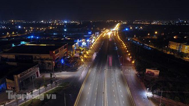 Cầu vượt gần 3.000 tỷ đồng tại Hà Nội lung linh về đêm - 6
