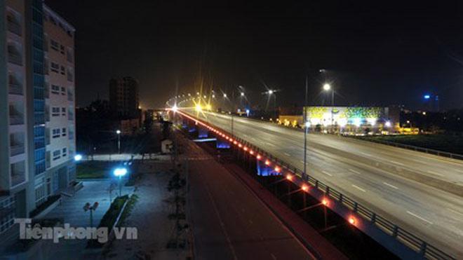 Cầu vượt gần 3.000 tỷ đồng tại Hà Nội lung linh về đêm - 8