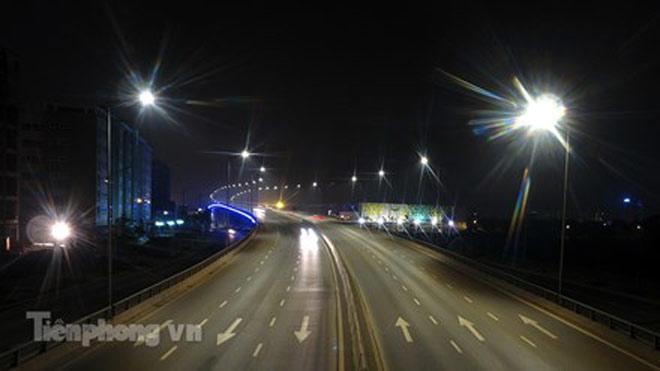 Cầu vượt gần 3.000 tỷ đồng tại Hà Nội lung linh về đêm - 9