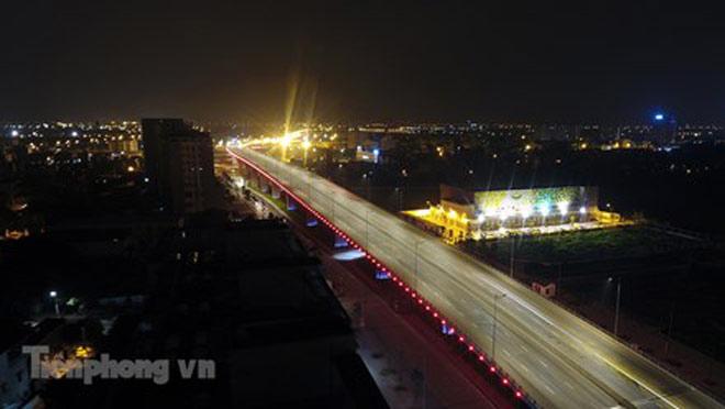 Cầu vượt gần 3.000 tỷ đồng tại Hà Nội lung linh về đêm - 10