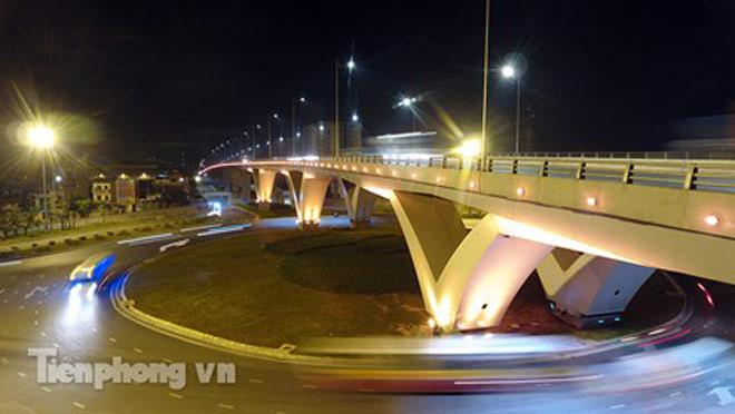 Cầu vượt gần 3.000 tỷ đồng tại Hà Nội lung linh về đêm - 5