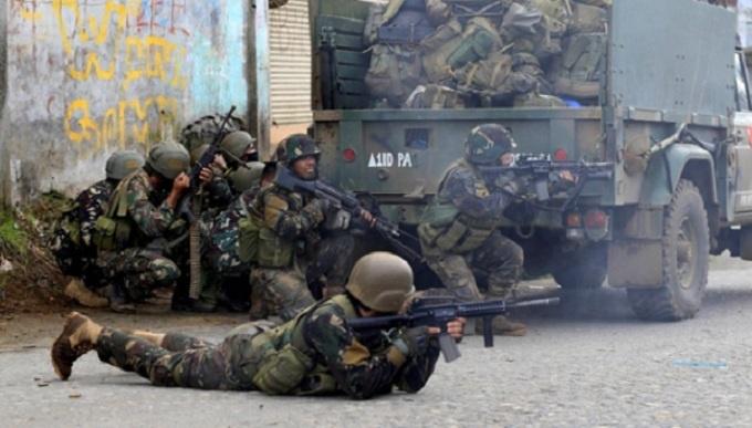 Philippines đem vũ khí hạng nặng đến giao chiến IS - 1