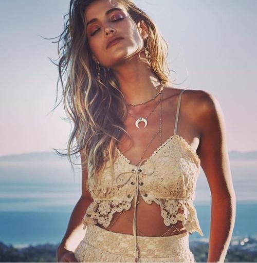 Sexy vô đối nhưng mẫu bikini này từng sợ nhất việc khoe vòng 1! - 10
