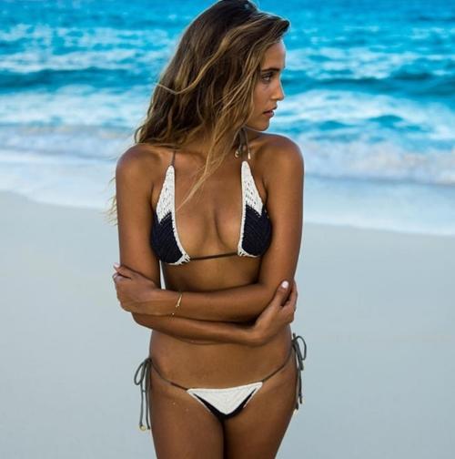 Sexy vô đối nhưng mẫu bikini này từng sợ nhất việc khoe vòng 1! - 9