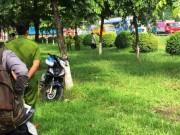 Tin tức trong ngày - Cô gái trẻ chết bí ẩn trên bãi cỏ trong công viên