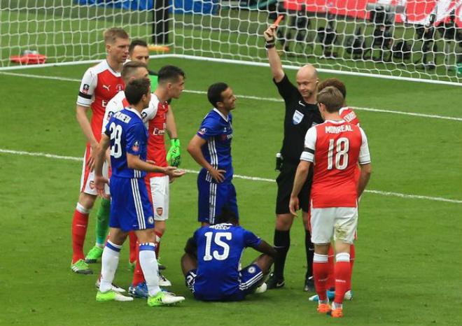 Wenger rạng ngời đi vào sử sách FA cup, ở lại Arsenal 2 năm - 4