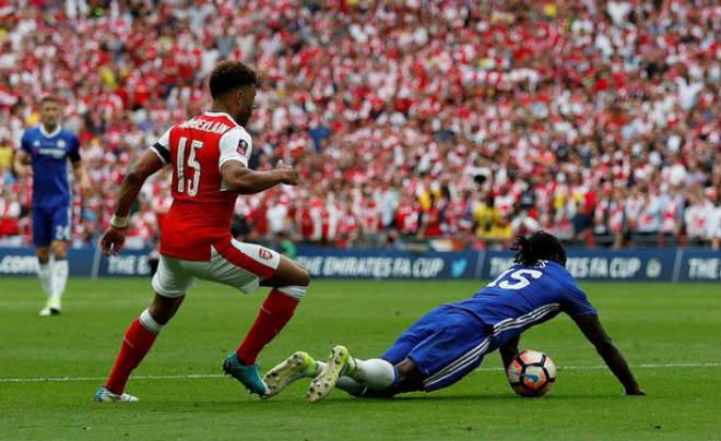 Wenger rạng ngời đi vào sử sách FA cup, ở lại Arsenal 2 năm - 3