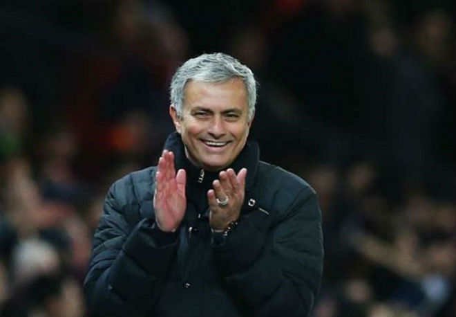 """Chuyển nhượng hè 2017: Xem MU–Mourinho """"đốt"""" 400 triệu bảng - 1"""