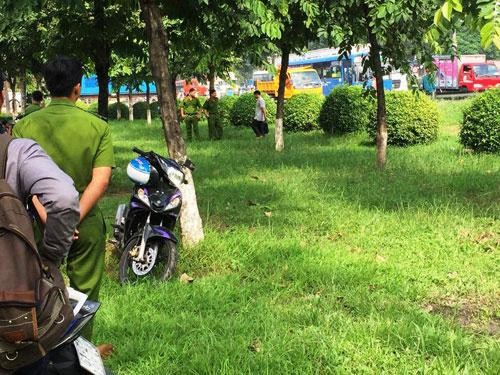 Tình tiết bất ngờ vụ cô gái trẻ chết bí ẩn trên thảm cỏ trong công viên - 1