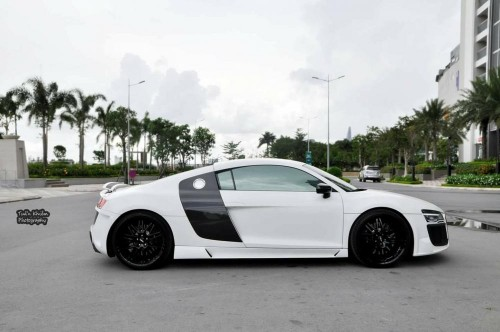 Dân chơi Việt đại hạ giá siêu xe Audi R8 chỉ 3,3 tỷ đồng - 3